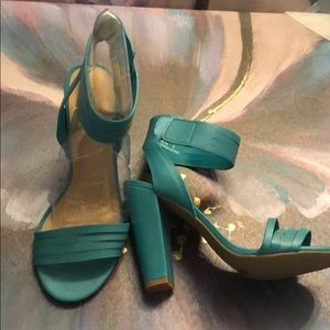 Strappy teal heel